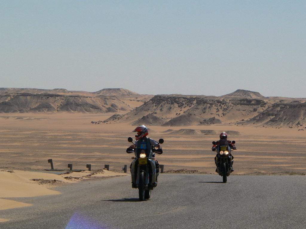3 R Egitto corsa nel deserto