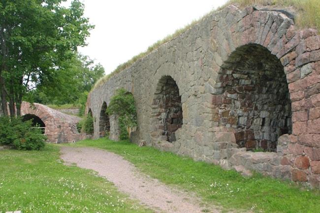 6.51 Loviisa. resti della cinta muraria