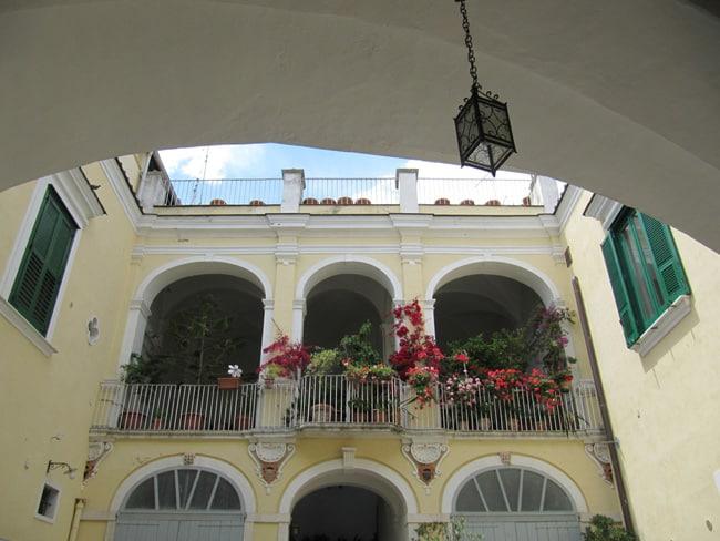 Ristorante il cortiletto lucera fg for Palazzo in stile spagnolo