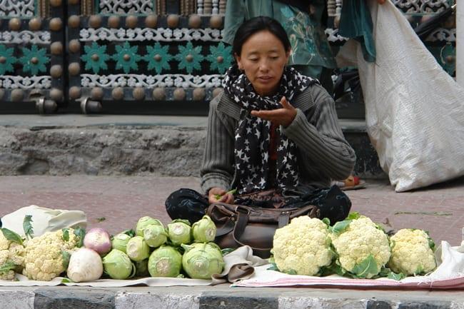 Venditrice di ortaggi a Leh