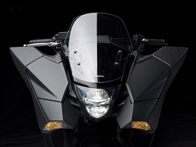Honda NM4 Vultus (6)