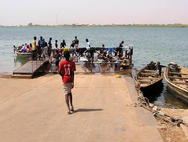 Imbarco ferry Dogana di Rosso