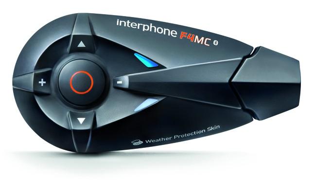 Interphone by Cellular Line INTERPHONEF4MC, arricchito di molte nuove funzionalità è dedicato al motociclista che vuolecomunicare a distanza con altro motociclista ma senza rinunciare ad altre funzioni smart.