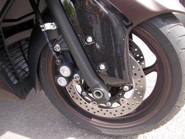L'avantreno del Yamaha T Max