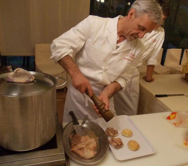Quelli delle cucine di strada - Panino con il Lampredotto - Firenze