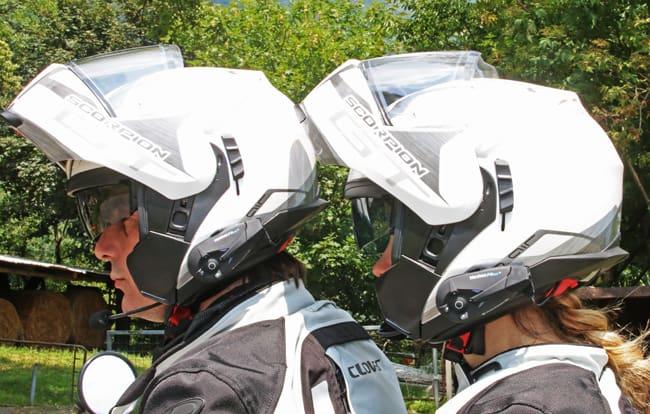 """L'interphone F3MC, permette di parlare anche con il casco in """"versione jet"""", anche se le migliori prestazioni si hanno con il microfono riparato dalla mentoniera"""