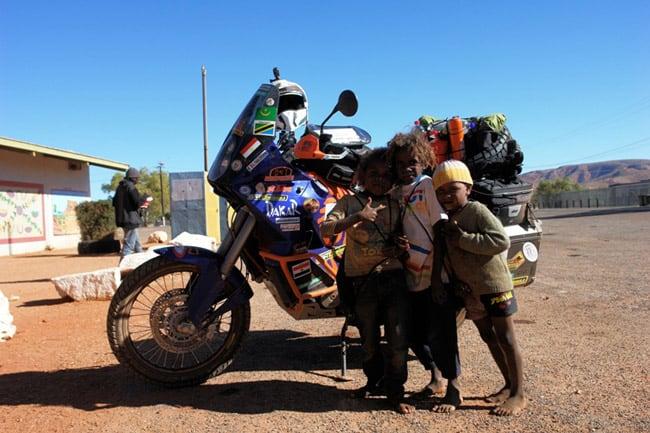 L'Australia in moto: aborigeni
