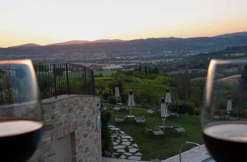 La vista della vallata dal Borgobrufa