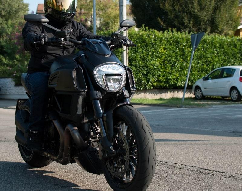 Prova Ducati Diavel: originale e cattiva.