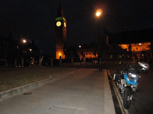 Inghilterra in moto. Big Ben on the night