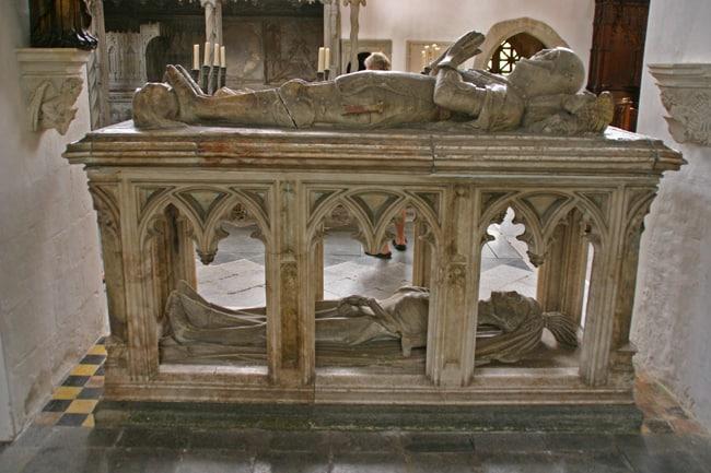 Inghilterra in moto. Cripta del castello di Arundel, tomba di un Conte del '400