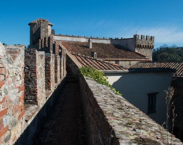 Lunigiana: castelli, grotte e buona cucina. Castello Malaspina di Fosdinovo