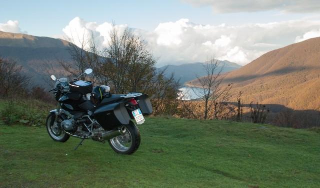 BMW R 1200 R con le borse laterali diventa una ottima viaggiatrice.