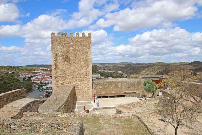 La torre del castello di Mertola