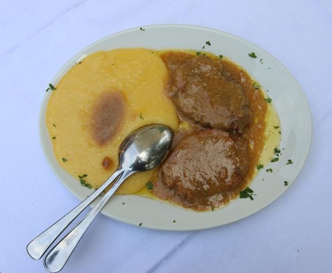 Il Manzo all'Olio di Rovato con Polenta