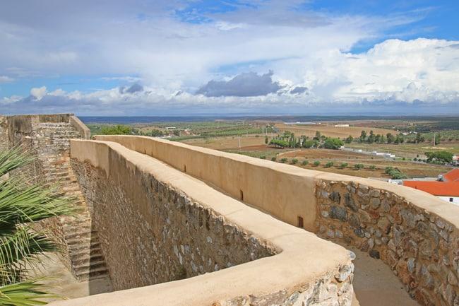 Il confine spagnolo non è distante