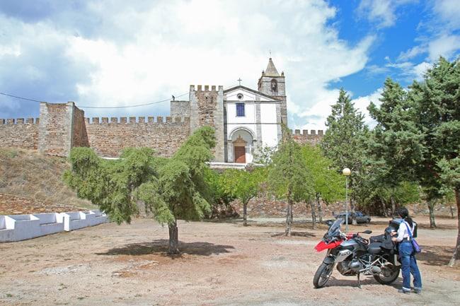 Alentejo in moto, seconda parte. I castelli sul confine. Il castello di Mourao.