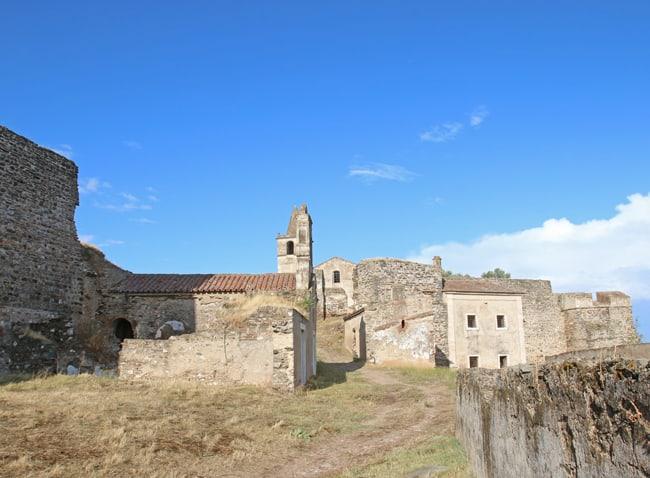 Completamente abbandonato, Il Castello di Juromenha ha un grande fascino