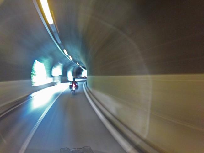 Canton Ticino in moto – con una scoperta da 007