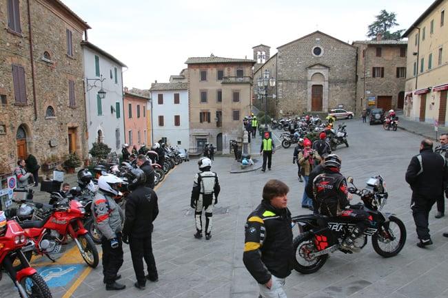Piazza Garibaldi a Montacino. il punto di partenza dei Winter Heroes