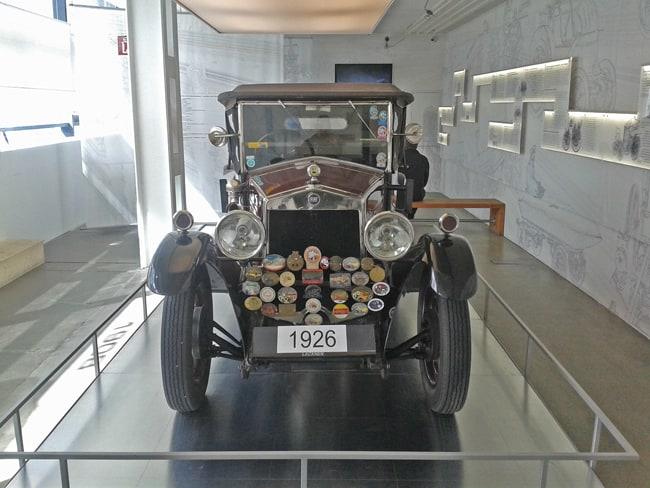 24 Auto presente nel museo