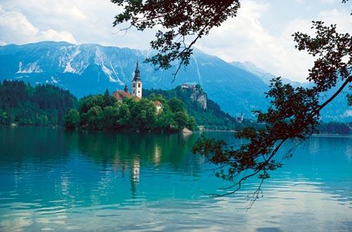 Alpi in moto. Il lago di Bled.