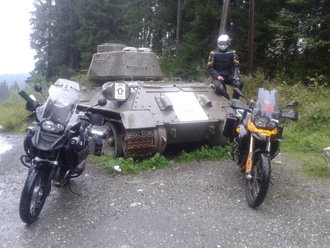 Alpi in moto. Il carro armato di Passo Wurzen.