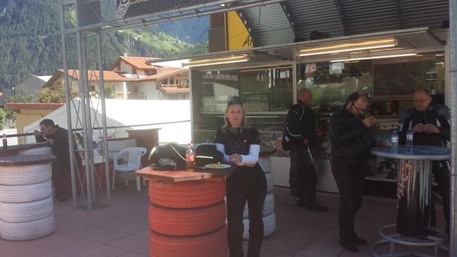 8 Pausa pranzo al Bikers Grill-Imbiss Sonne