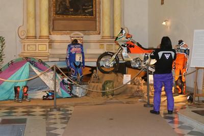 La piccola mostra di Castel Fiorentino dedicata a Fabrizio Meoni