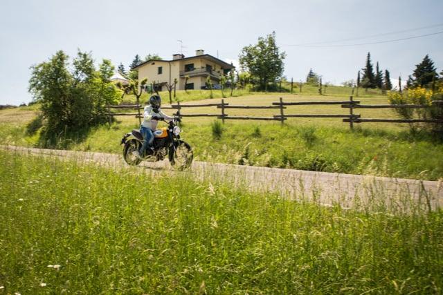Ducati Scrambler Classic in strada