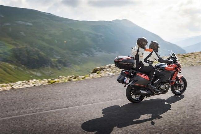 Le migliori enduro per macinare tanti chilometri: Kawasaki Versys 1000 Grand Tourer ABS