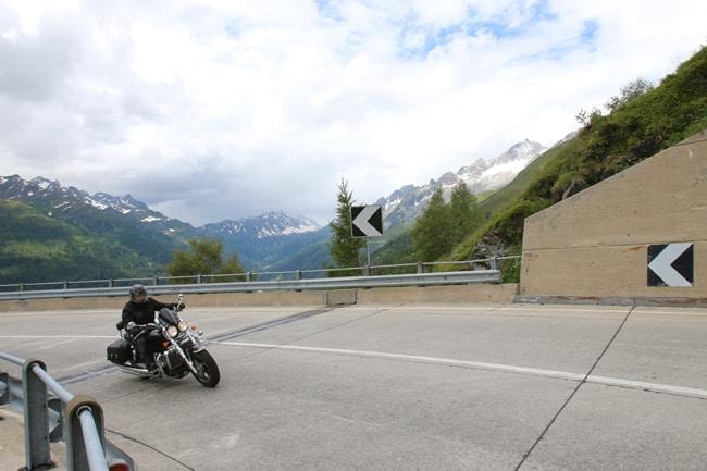 Vacanze in moto in Europa: Canton Ticino in moto – con una scoperta da 007