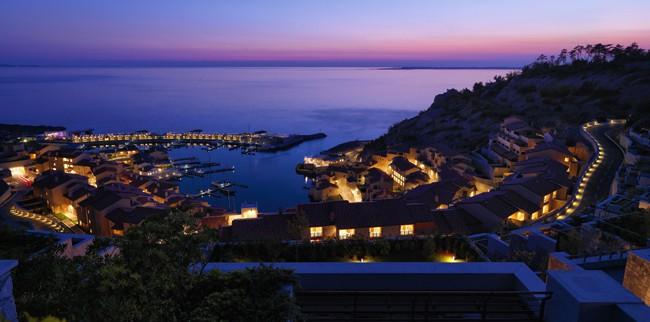 Affacciati sul Golfo di Trieste al tramonto. Portopiccolo