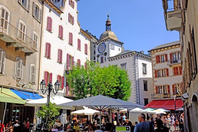 Vini del Vallese: l'oro segreto della Svizzera. Tanta vita nel centro di Sion