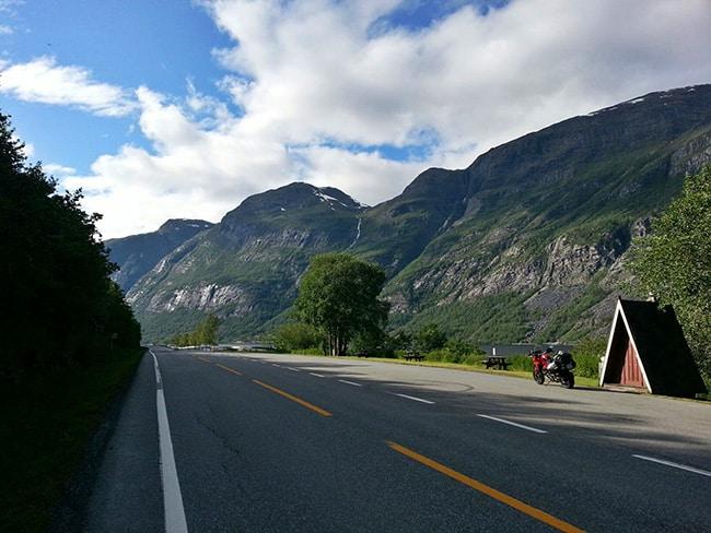 Sulla E16 verso i fiordi