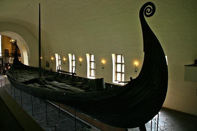 Un esempio di nave vichinga.