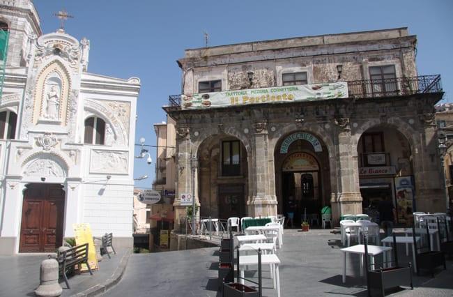 Calabria Coast to Coast - Piazza della Repubblica.