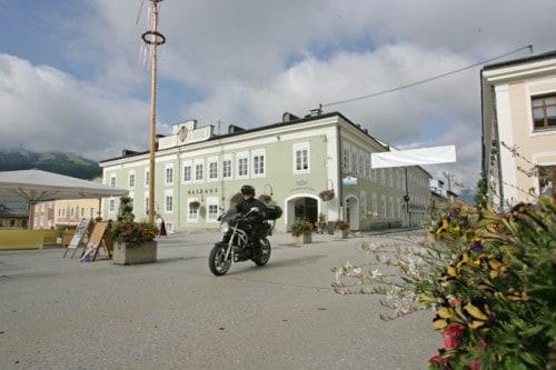 Ponte due giugno, dove andare in moto! Nelle piccole Città Storiche dell'Austria