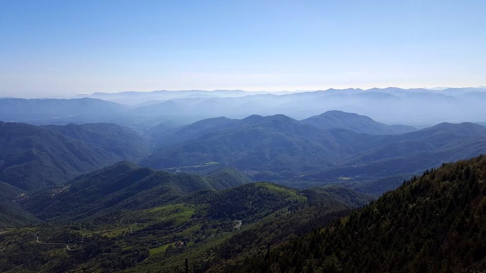 Vista Passo del Lagastrello verso la Toscana