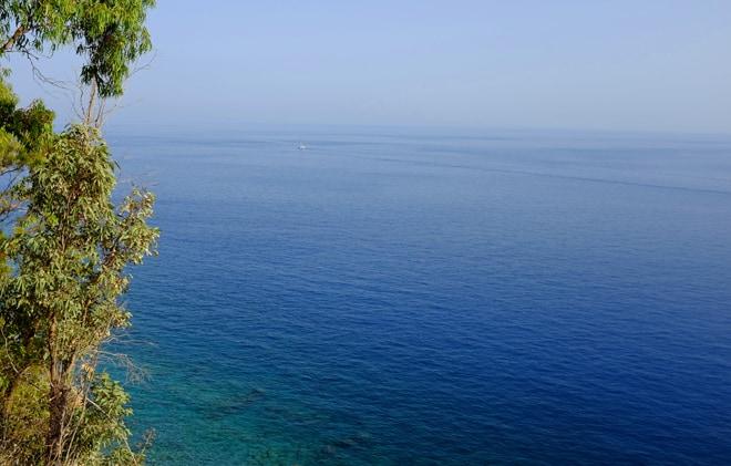 Il tratto di costa a sud di Reggio Calabria