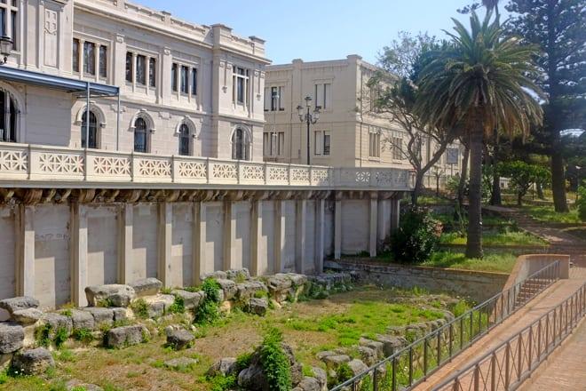 I resti delle antichissime mura greche di Reggio Calabria
