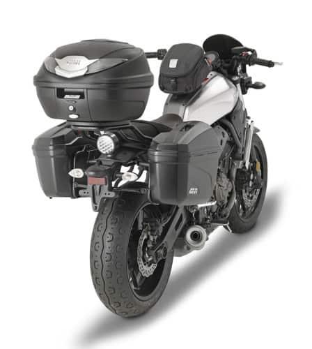 Yamaha XSR 700 con valigie rigide