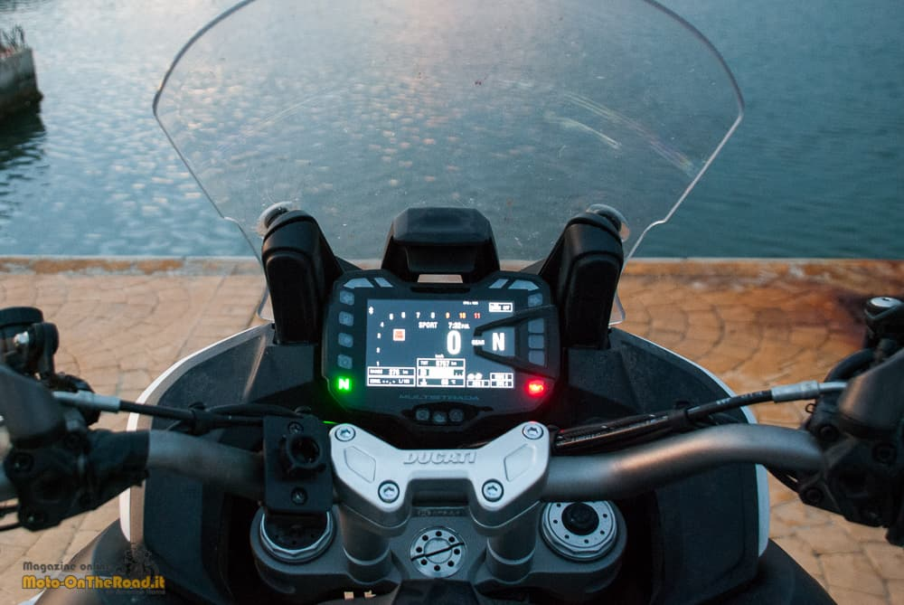 Prova Ducati Multistrada 1200 Enduro. La bellissima strumentazione.