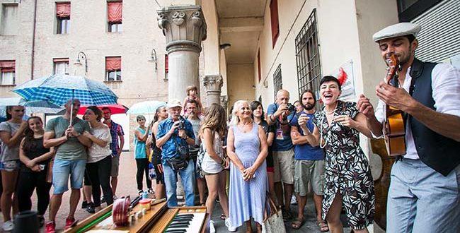 Ferrara-Buskers-Festival-Radiocorriere-swing-Foto-di-Luisa-Veronese-1
