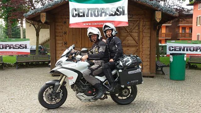 il Moto-Ontheroad team all'arrivo della Centopassi