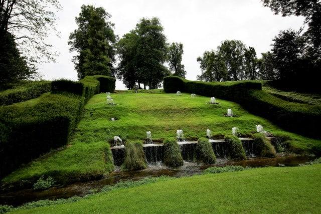 Vallonia in moto, i giardini di Annevoie, giochi d'acqua del '700