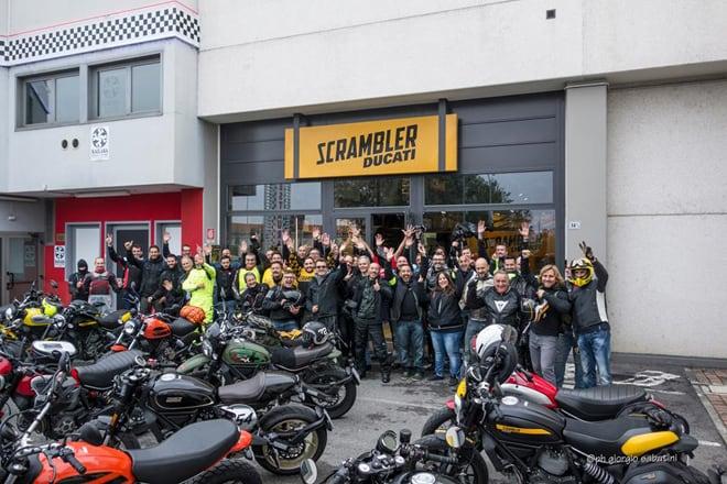 Primo Raduno Ducati Scrambler. Davanti alla Ducati Factory.