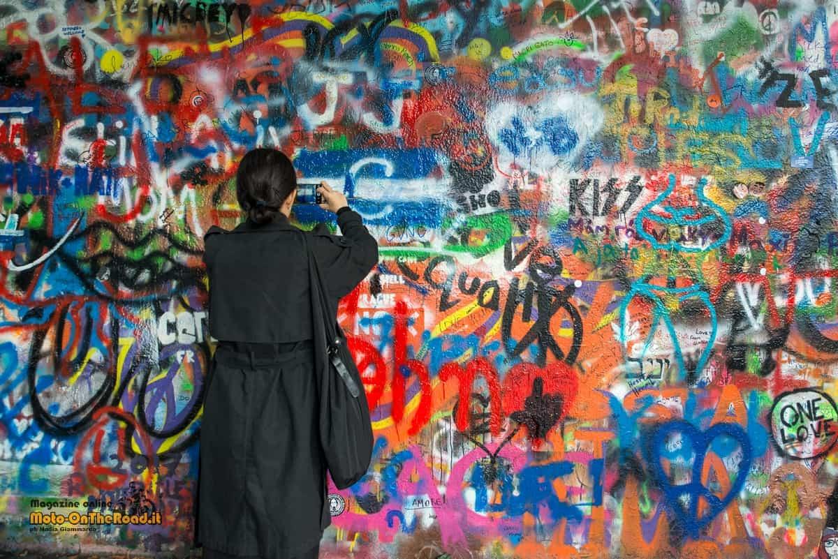 Natale in Repubblica Ceca - Muro di John Lennon