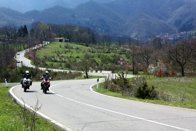 Da Firenzuola si sale verso Casetta, forse la zona più remota del circuito stradale del Mugello