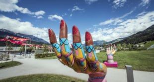 20170703_SKW_Sommerfestival_Installationen_Hands_1_cSwarovskiKristallwelten